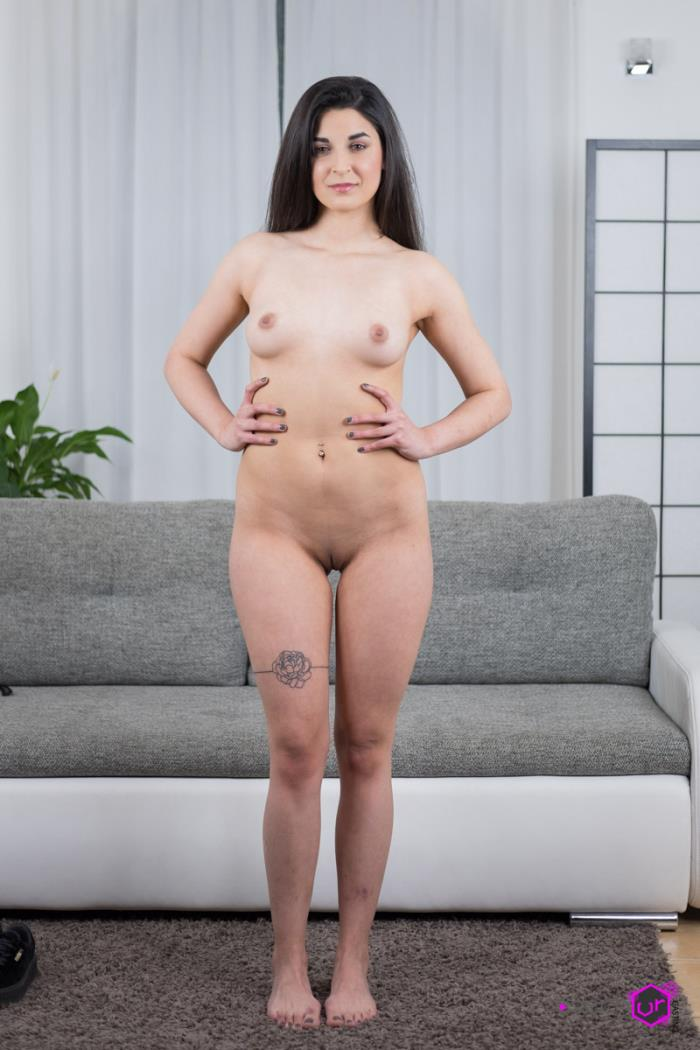 Stacy Sommers - Her First Adult Experience! (UltraHD/2K 1440p) - CzechVRCasting/CzechVR - [2019]