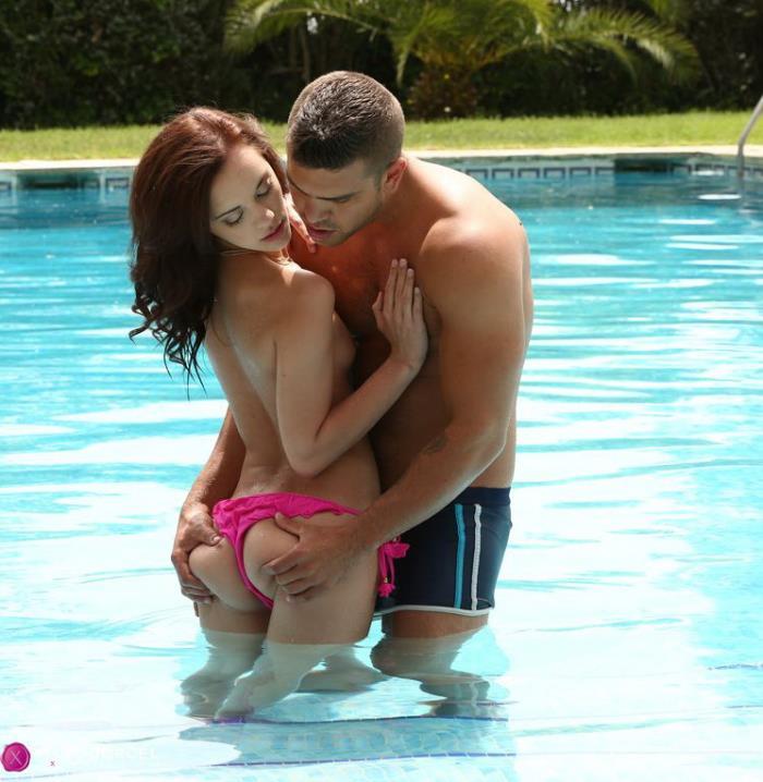 Lea Guerlin - Partie de sexe a la piscine pour Lea Guerlin (FullHD 1080p) - DorcelClub - [2019]