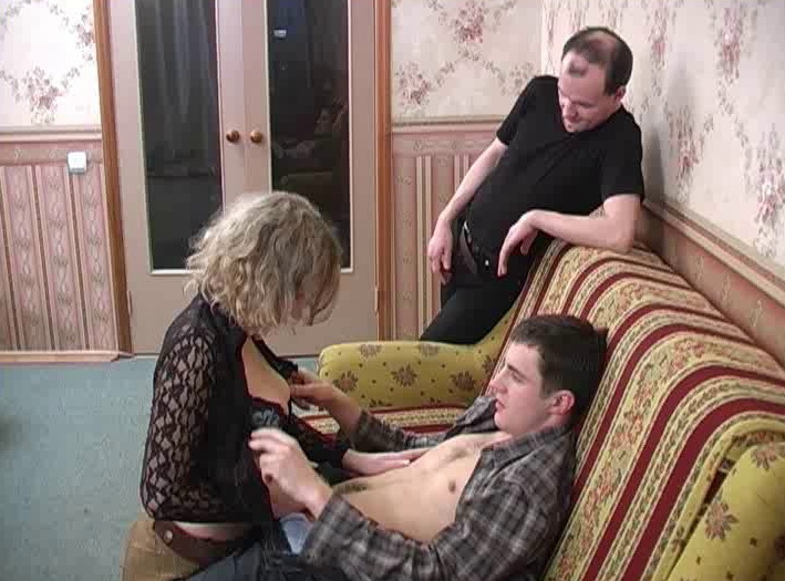 [MaximumMatures] - Amateur - Group Sex Moms vova73 (2019 / SD 576p)