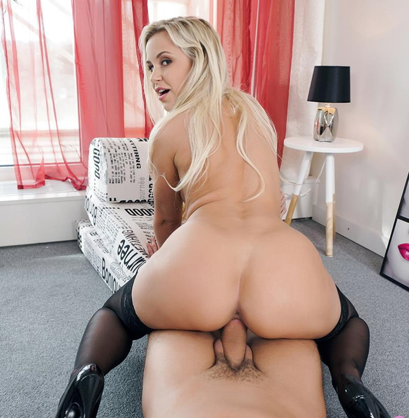 Lola - Coming Home To Lola [SexBabesVR] 2019