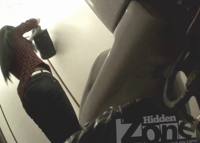 Amateurs - Pissing (HD 960p) - Hidden-Zone - [2019]