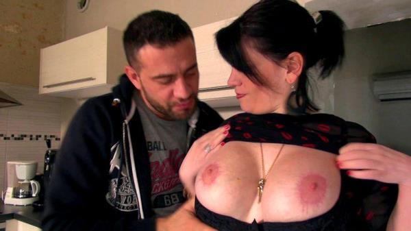 JacquieEtMichelTV/Indecentes-Voisines: Clarisse - Clarisse, 32ans, mEtamorphosEe en bombe sexy ! (SD) - 2019