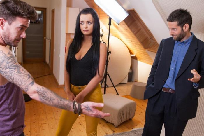 Dafne Klyde - Relentlessly photo fuck session (2019) [FullHD/1080p/MP4/2.15 GB] by Utrodobroe