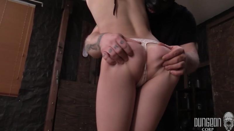 Katie Kush - Stretched, Bent and Split 1 (SocietySM/DungeonCorp) [FullHD 1080p]