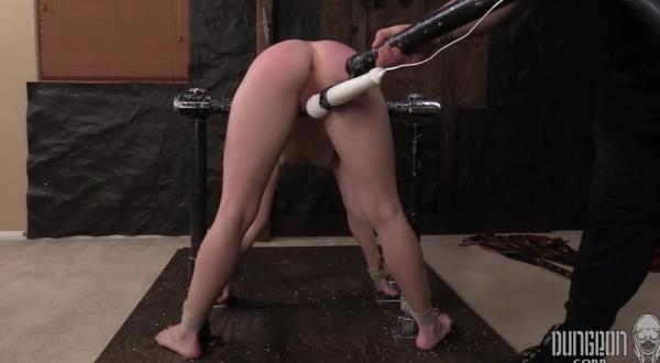 Stretched, Bent and Split 3 - Katie Kush [SocietySM/DungeonCorp] (FullHD 1080p)