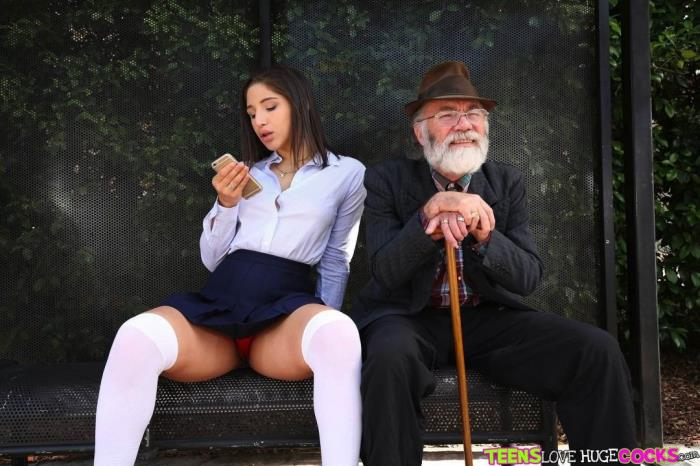 TeensLoveHugeCocks/RealityKings: Bus bench creepin - Abella Danger [2019] (FullHD 1080p)