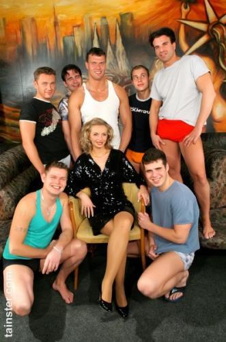 Francesca Felucci - True to Form, The Cum Squad Delivers! (SD)