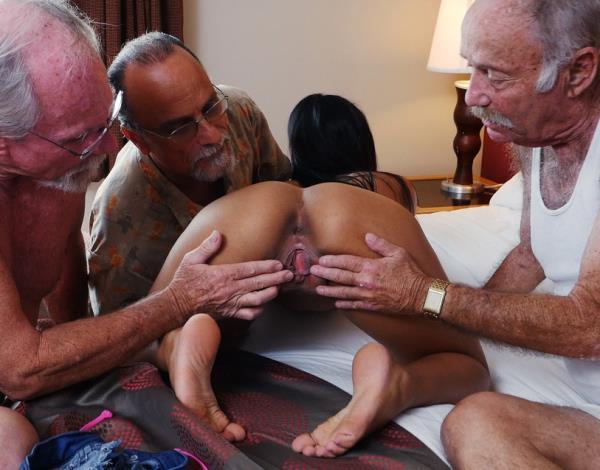 Nikki Kay staycation with a latin hottie - Nikki Kay [BluePillMen] (SD 540p)