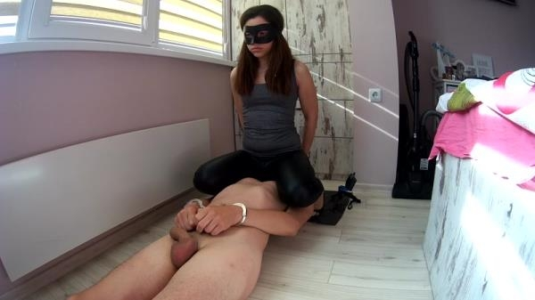 Farts and Shitty Torture - Femdom Scat (FullHD 1080p)