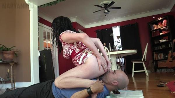 Facesitting slave and Shitting in his mouth - Femdom Scat (FullHD 1080p)