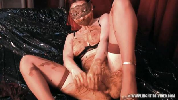 Regina Bella - Scat on Sofa (HD 720p)