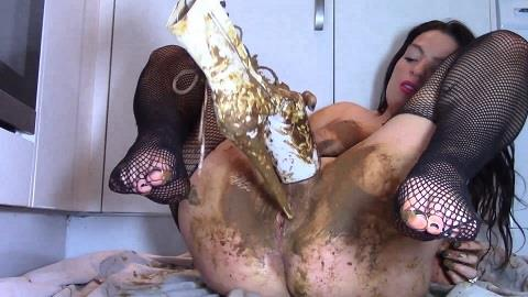 Evamarie88 - Scat Girl In Shitty Boots (FullHD 1080p)