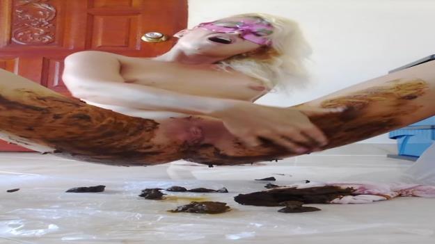 MissAnja - Blonde Shitting Huge Destroy Her Panty Smearing (HD 720p)