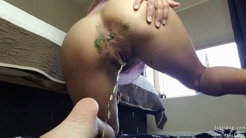 Littlefuckslut - Eat the Poop in My White Panties (FullHD 1080p)