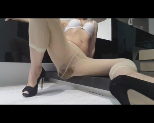 Thefartbabes - Golden Tights Crazy Poop (SD 576p)