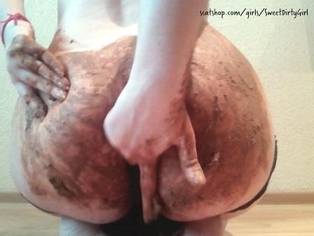 SweetDirtyGirl - Panty poop and smear with KatiePoo (SD 480p)
