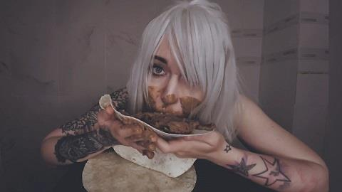DirtyBetty - She wants to FEED me her SHITTY! (FullHD 1080p)